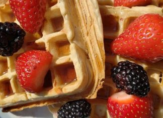 Simple Vegan Waffles