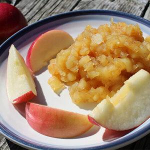 homemade-vegan-cinnamon-applesauce